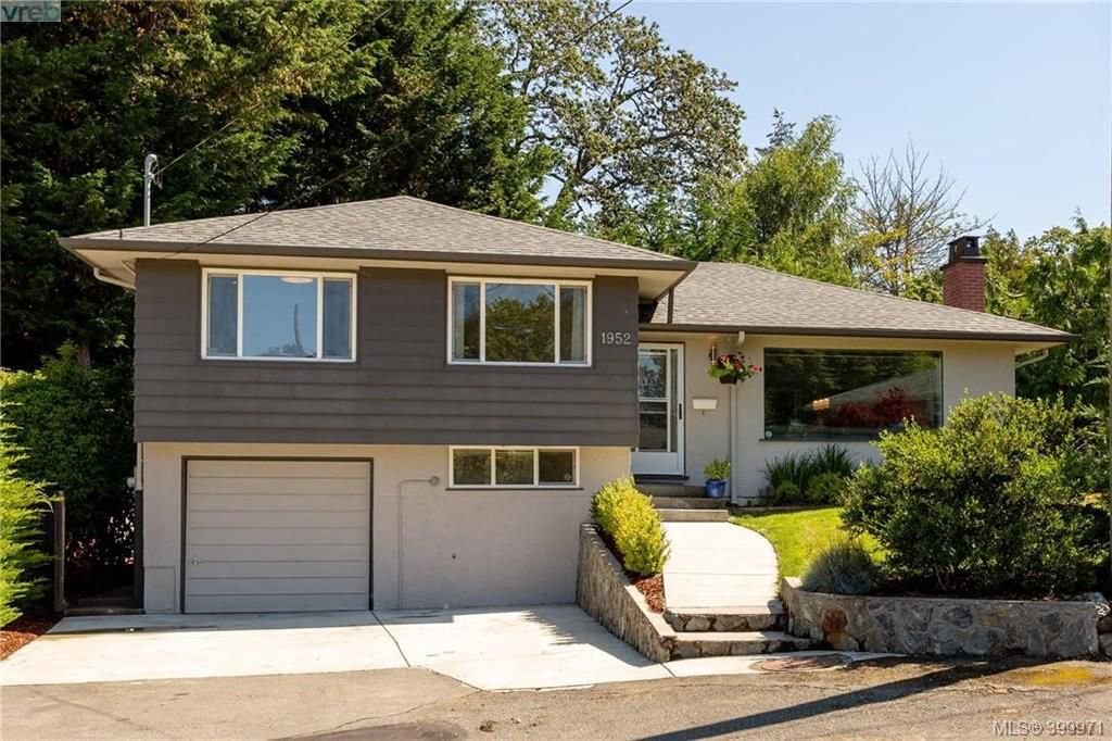 Main Photo: 1952 Hawes Road in VICTORIA: Vi Fairfield East Single Family Detached for sale (Victoria)  : MLS®# 399971