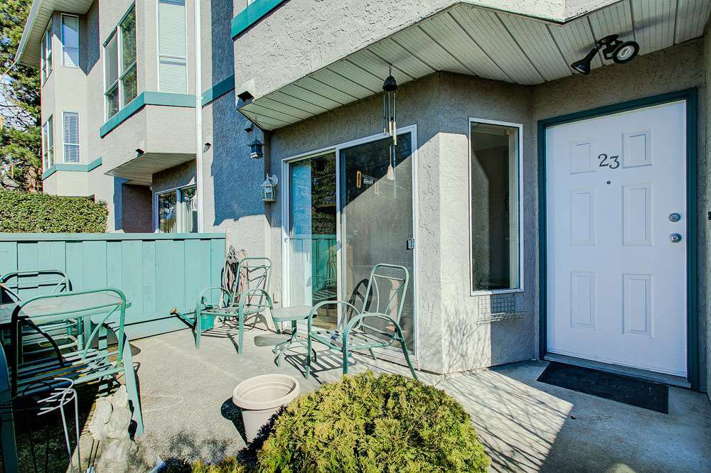 "Main Photo: 23 3476 COAST MERIDIAN Road in Port Coquitlam: Lincoln Park PQ Townhouse for sale in ""Laurier Mews"" : MLS®# R2345938"
