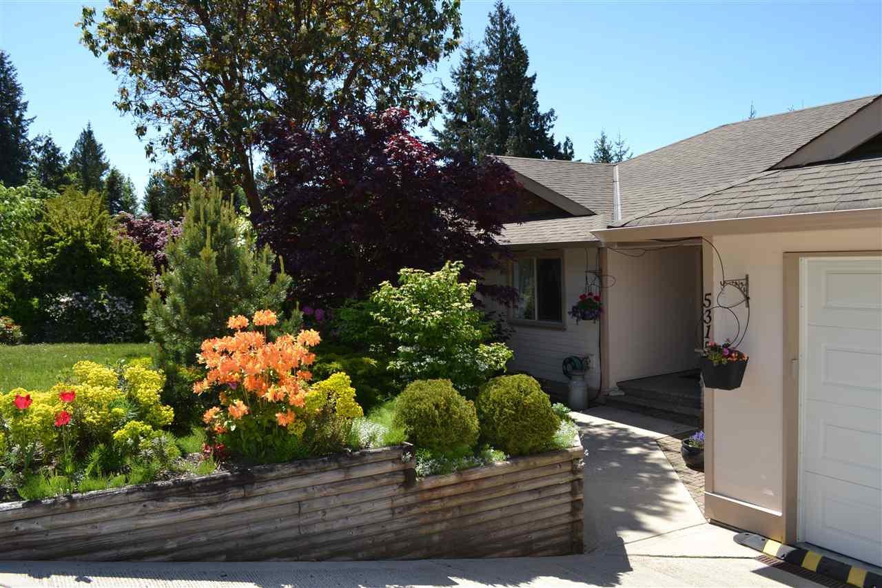 Main Photo: 5315 CEDARVIEW Place in Sechelt: Sechelt District House for sale (Sunshine Coast)  : MLS®# R2368813