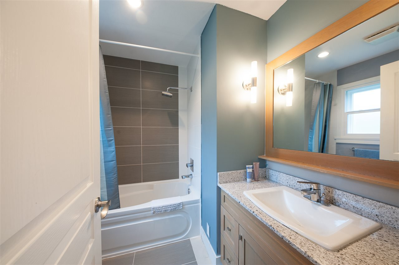 Photo 11: Photos: 5 2115 SPRING Street in Port Moody: Port Moody Centre Townhouse for sale : MLS®# R2370282