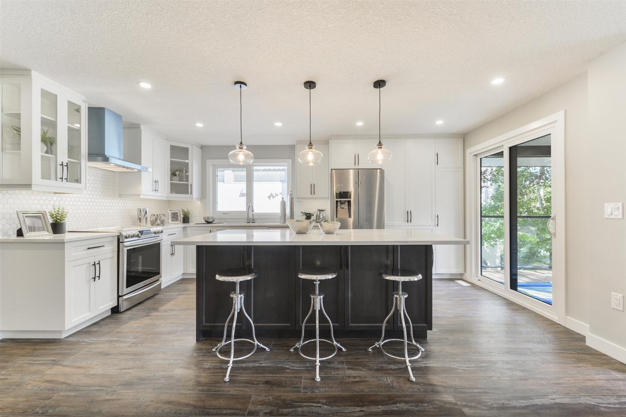 Main Photo: 9322 98 Street in Edmonton: Zone 15 House for sale : MLS®# E4174981
