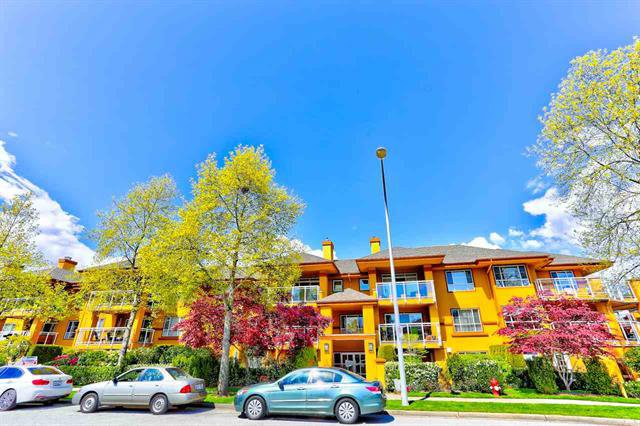 Main Photo: 207 15155 22 AVENUE in South Surrey White Rock: Sunnyside Park Surrey Condo for sale : MLS®# R2408809