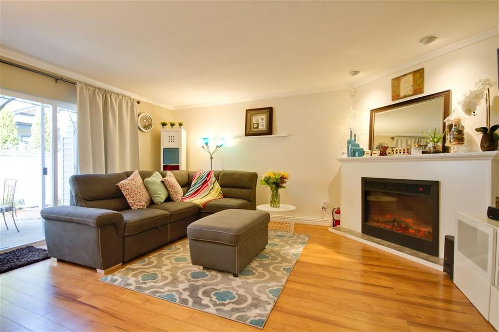 """Main Photo: 12 10980 NO. 2 Road in Richmond: Woodwards Townhouse for sale in """"BARCLAY COURT"""" : MLS®# R2422924"""