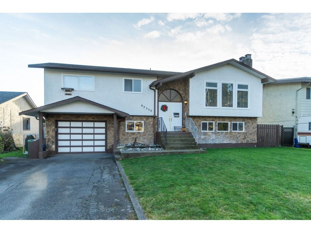 Photo 1: Photos: 45260 LENORA Crescent in Chilliwack: Chilliwack W Young-Well House for sale : MLS®# R2424301