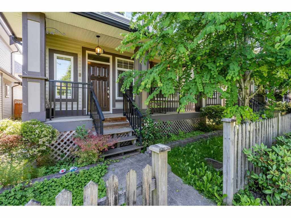 """Photo 2: Photos: 6945 196 Street in Surrey: Clayton House for sale in """"CLAYTON HEIGHTS"""" (Cloverdale)  : MLS®# R2469984"""