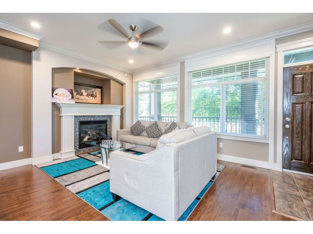 """Photo 5: Photos: 6945 196 Street in Surrey: Clayton House for sale in """"CLAYTON HEIGHTS"""" (Cloverdale)  : MLS®# R2469984"""