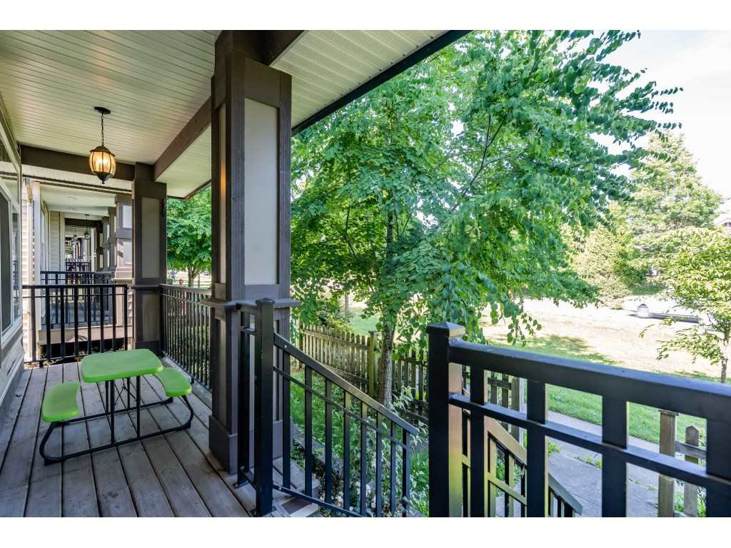 """Photo 3: Photos: 6945 196 Street in Surrey: Clayton House for sale in """"CLAYTON HEIGHTS"""" (Cloverdale)  : MLS®# R2469984"""