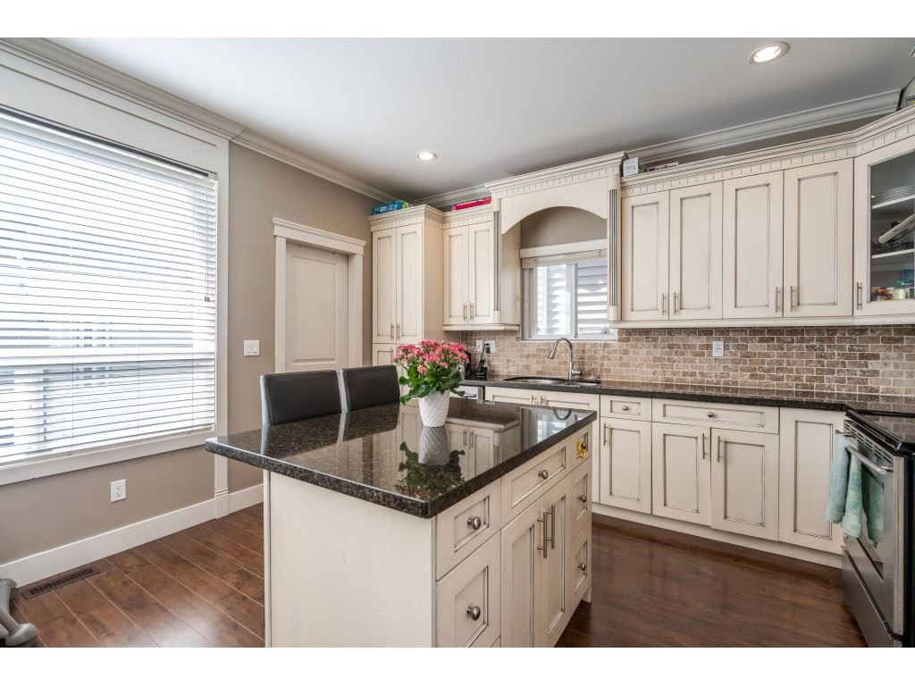 """Photo 9: Photos: 6945 196 Street in Surrey: Clayton House for sale in """"CLAYTON HEIGHTS"""" (Cloverdale)  : MLS®# R2469984"""