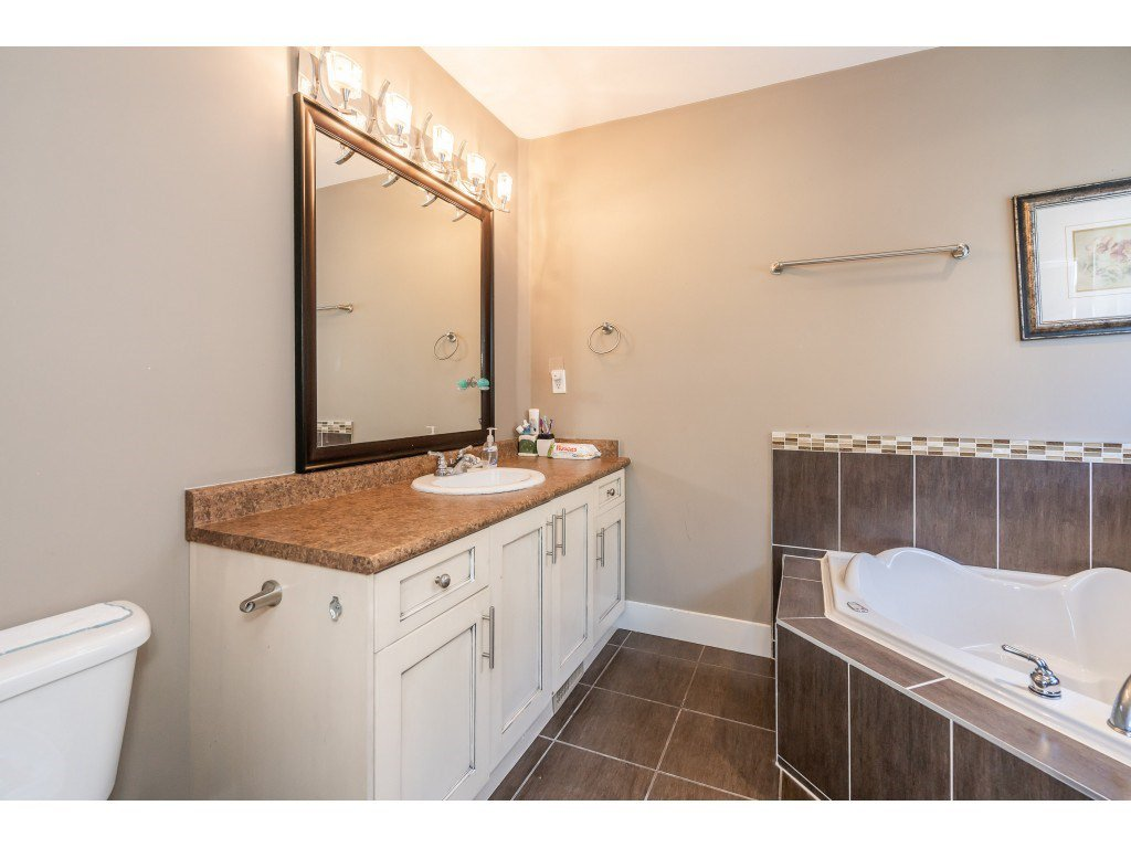"""Photo 18: Photos: 6945 196 Street in Surrey: Clayton House for sale in """"CLAYTON HEIGHTS"""" (Cloverdale)  : MLS®# R2469984"""