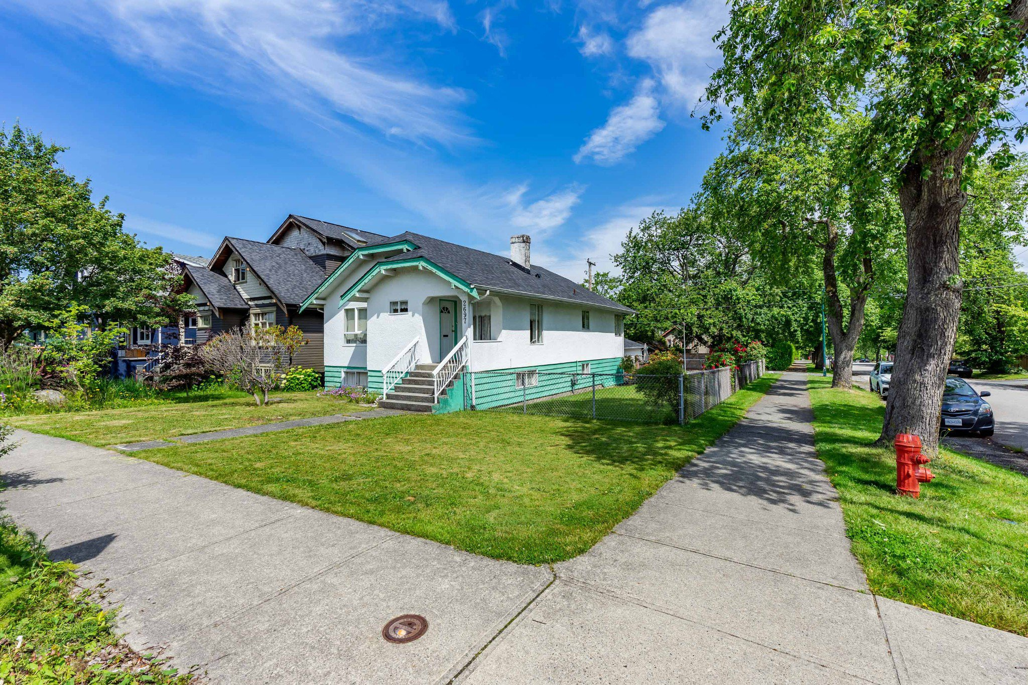 Main Photo: 2697 DUNDAS Street in Vancouver: Hastings House for sale (Vancouver East)  : MLS®# R2471004