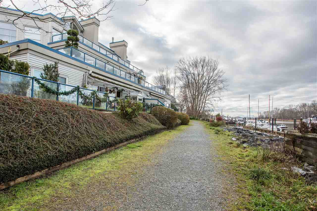 """Photo 17: Photos: 108 4743 W RIVER Road in Delta: Ladner Elementary Condo for sale in """"RIVER WEST"""" (Ladner)  : MLS®# R2479410"""