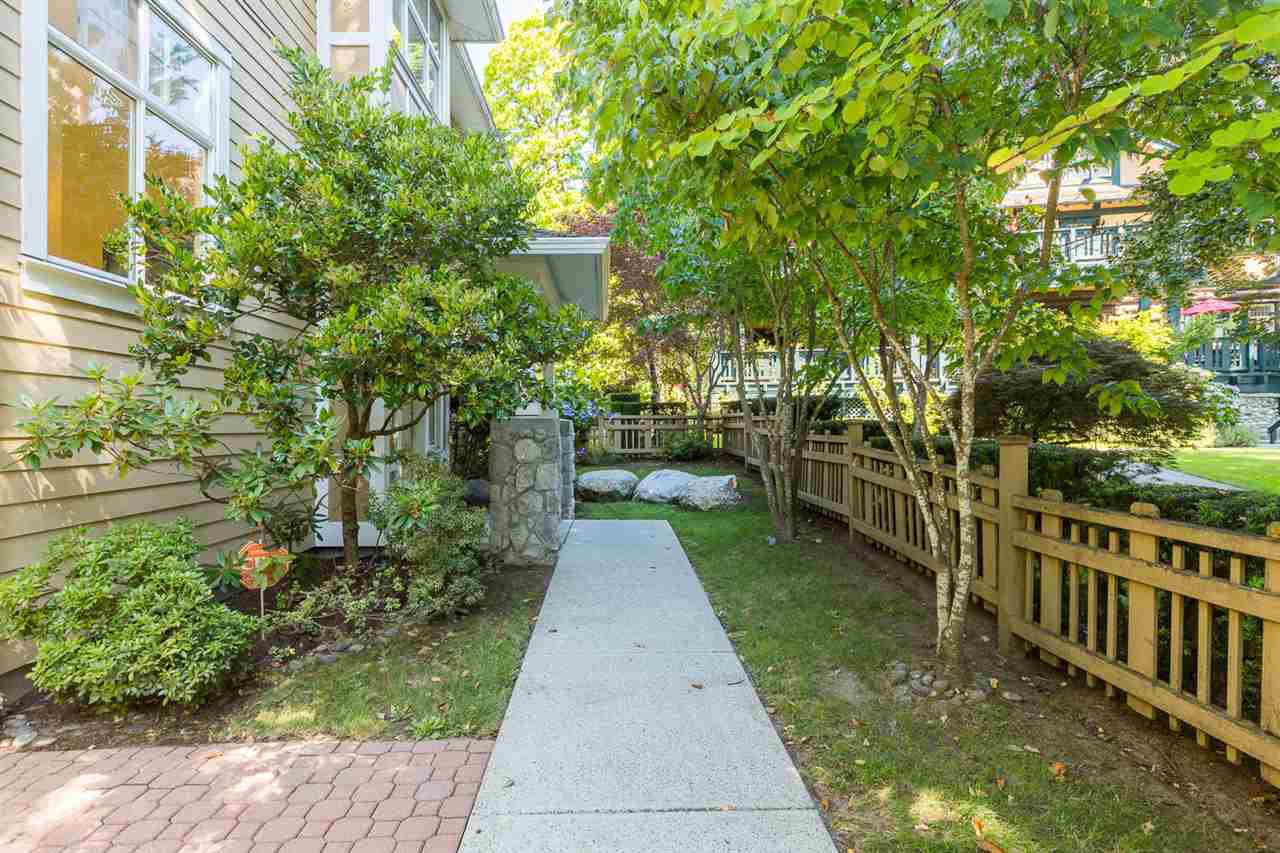 """Main Photo: 971 WESTBURY Walk in Vancouver: South Cambie Townhouse for sale in """"Churchill Gardens"""" (Vancouver West)  : MLS®# R2488294"""