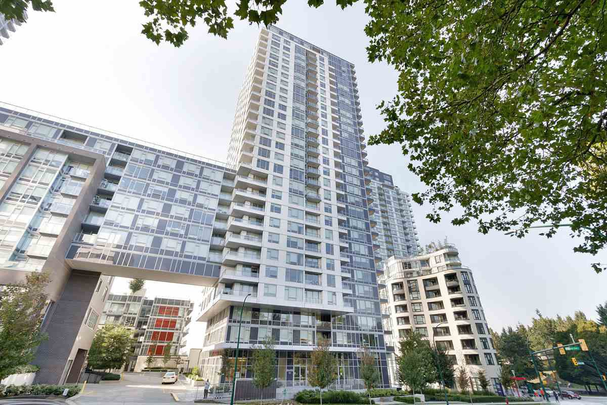 "Main Photo: 1607 5515 BOUNDARY Road in Vancouver: Collingwood VE Condo for sale in ""WALL CENTRE CENTRAL PARK"" (Vancouver East)  : MLS®# R2520242"