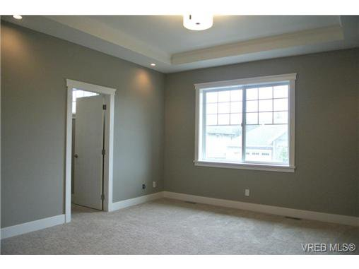Photo 10: Photos: 3637 Coleman Place in VICTORIA: Co Latoria Residential for sale (Colwood)  : MLS®# 325291