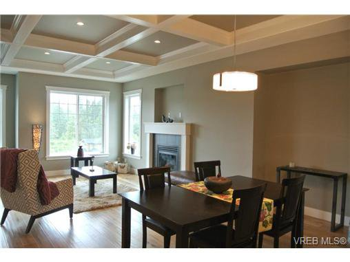 Photo 8: Photos: 3637 Coleman Place in VICTORIA: Co Latoria Residential for sale (Colwood)  : MLS®# 325291