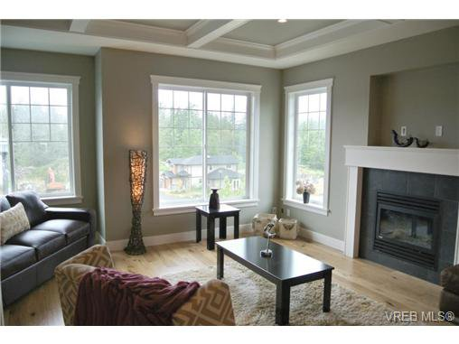 Photo 7: Photos: 3637 Coleman Place in VICTORIA: Co Latoria Residential for sale (Colwood)  : MLS®# 325291