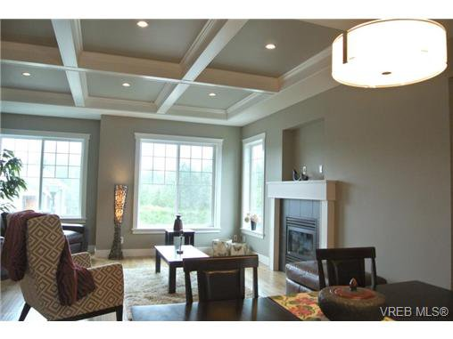 Photo 9: Photos: 3637 Coleman Place in VICTORIA: Co Latoria Residential for sale (Colwood)  : MLS®# 325291