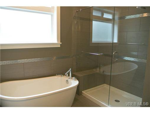Photo 13: Photos: 3637 Coleman Place in VICTORIA: Co Latoria Residential for sale (Colwood)  : MLS®# 325291