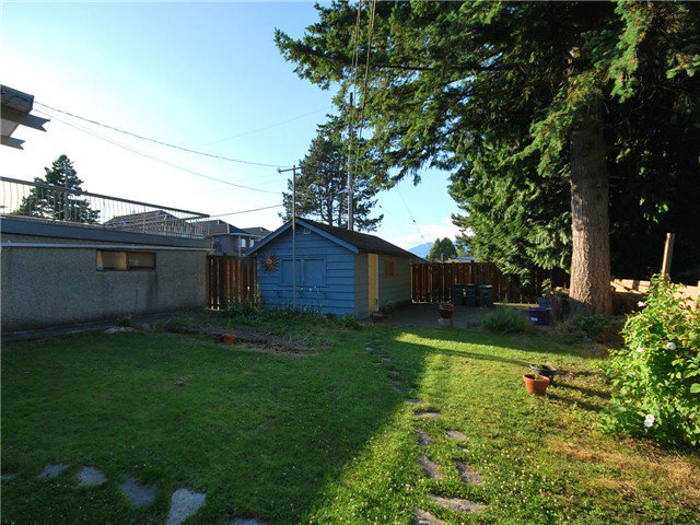 Photo 10: Photos: 2225 E 27TH AV in Vancouver: Victoria VE House for sale (Vancouver East)  : MLS®# V1020652