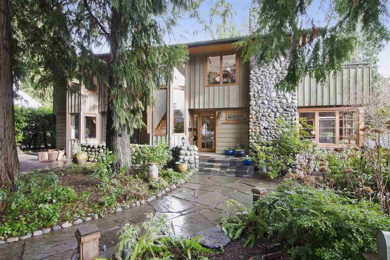 Main Photo: 1190 SINCLAIR Street in West Vancouver: Ambleside House for sale : MLS®# R2027738