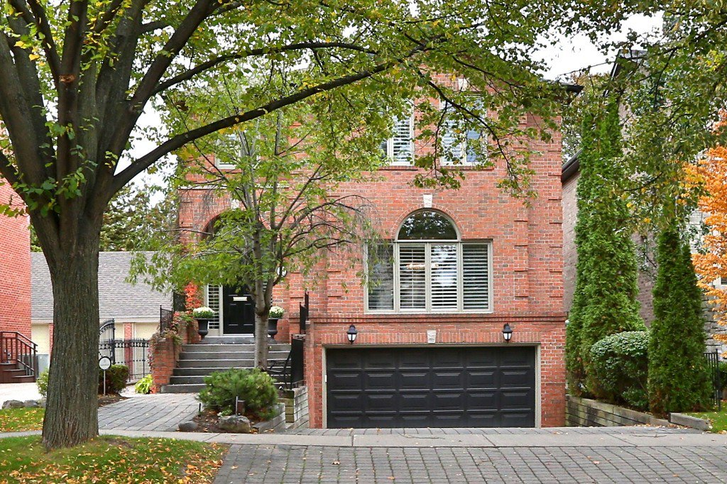 Main Photo: 505 Fairlawn Avenue in Toronto: House for sale : MLS®# C3340932