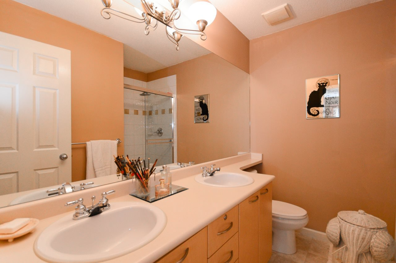 """Photo 7: Photos: 62 12778 66 Avenue in Surrey: West Newton Townhouse for sale in """"HATHAWAY VILLAGE"""" : MLS®# R2088372"""