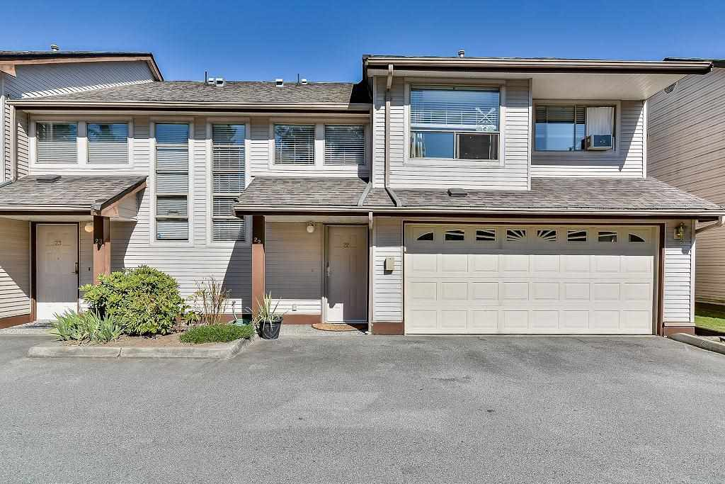 "Main Photo: 22 20841 DEWDNEY TRUNK Road in Maple Ridge: Northwest Maple Ridge Townhouse for sale in ""KITCHLER STATION"" : MLS®# R2096662"