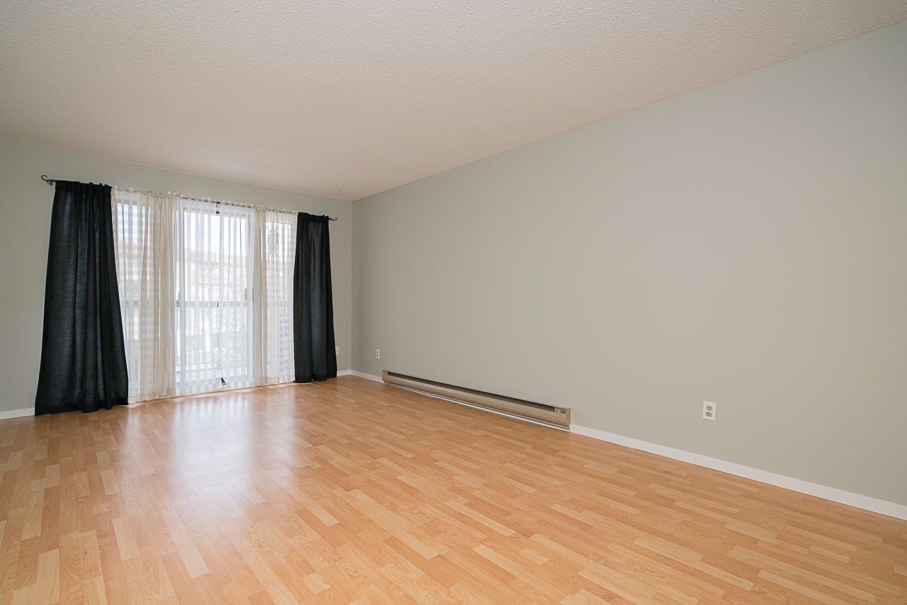 """Photo 10: Photos: 1219 45650 MCINTOSH Drive in Chilliwack: Chilliwack W Young-Well Condo for sale in """"MCINTOSH VILLAGE"""" : MLS®# R2128971"""