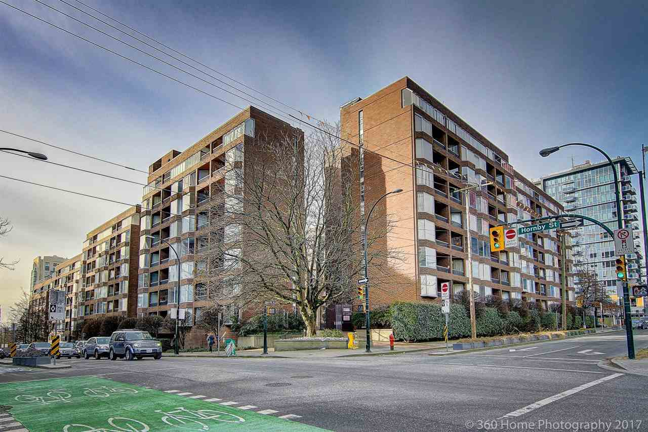 """Main Photo: 105 1333 HORNBY Street in Vancouver: Downtown VW Condo for sale in """"ANCHOR POINT"""" (Vancouver West)  : MLS®# R2131049"""