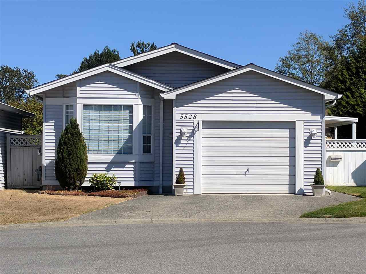 "Main Photo: 5528 SPINNAKER Bay in Delta: Neilsen Grove House for sale in ""SOUTHPOINTE"" (Ladner)  : MLS®# R2203224"