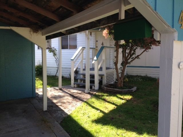 """Photo 2: Photos: 4 12868 229 Street in Maple Ridge: East Central Manufactured Home for sale in """"ALOUETTE RETIREMENT MOBILE HOME"""" : MLS®# R2212322"""