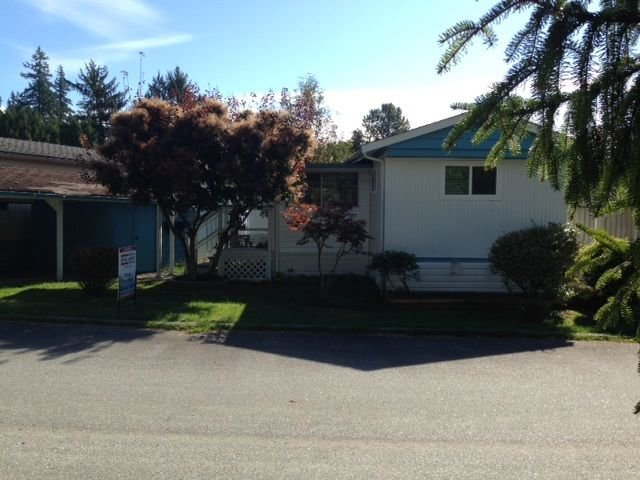 "Main Photo: 4 12868 229 Street in Maple Ridge: East Central Manufactured Home for sale in ""ALOUETTE RETIREMENT MOBILE HOME"" : MLS®# R2212322"