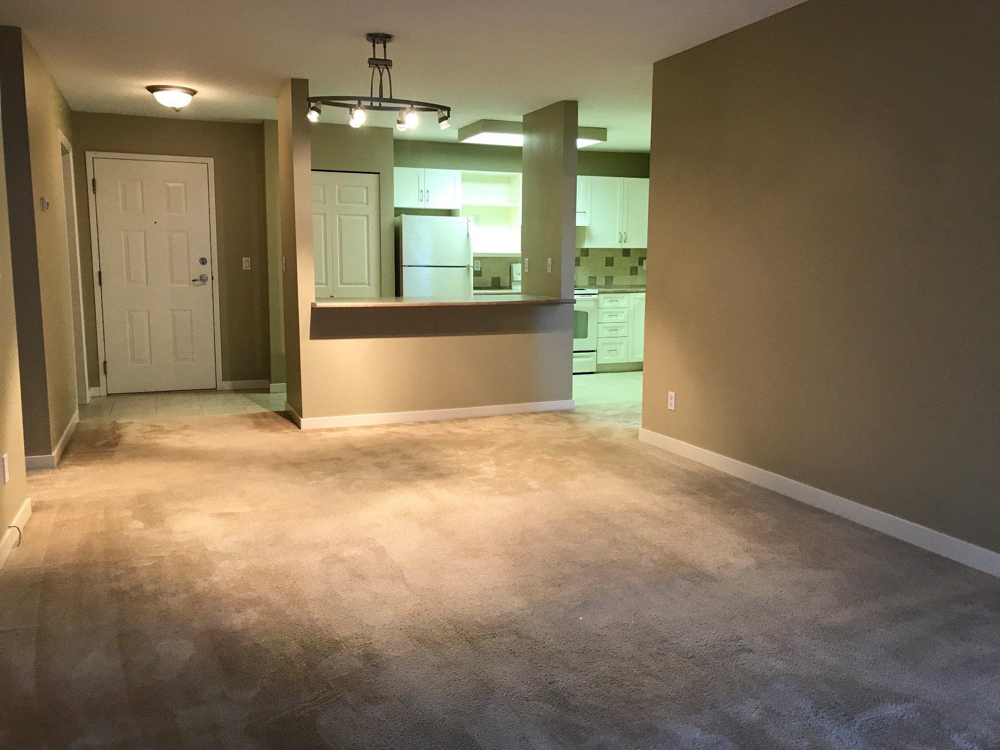 Photo 4: Photos: #329 2700 McCallum Rd. in Abbotsford: Central Abbotsford Condo for rent