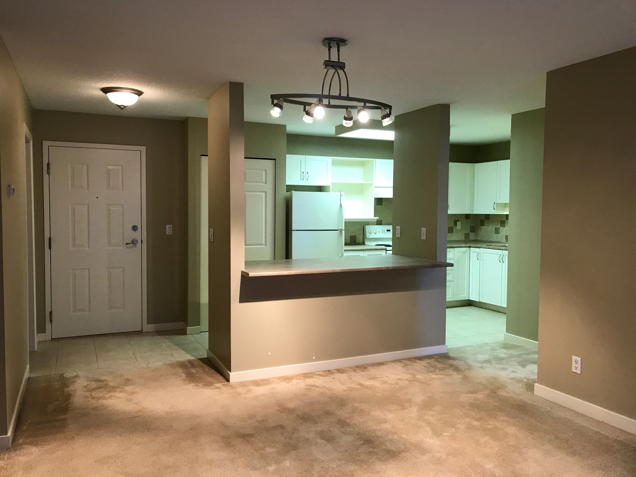 Photo 2: Photos: #329 2700 McCallum Rd. in Abbotsford: Central Abbotsford Condo for rent