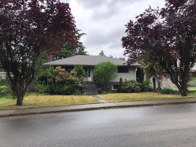 Main Photo: 4487 HUXLEY Avenue in Burnaby: Burnaby Hospital House for sale (Burnaby South)  : MLS®# R2277906