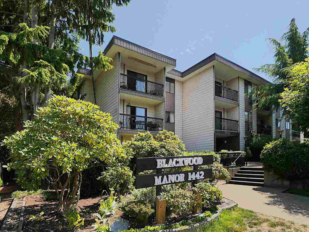 "Main Photo: 201 1442 BLACKWOOD Street: White Rock Condo for sale in ""Blackwood Manor"" (South Surrey White Rock)  : MLS®# R2292905"