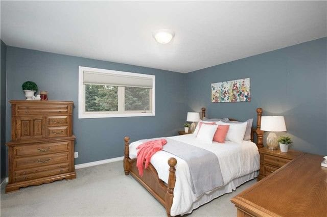 Photo 9: Photos: 73 Park Avenue in East Gwillimbury: Holland Landing House (Sidesplit 5) for sale : MLS®# N4206651