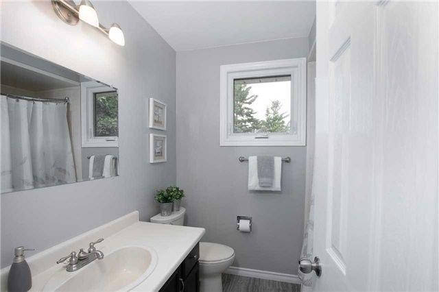 Photo 12: Photos: 73 Park Avenue in East Gwillimbury: Holland Landing House (Sidesplit 5) for sale : MLS®# N4206651