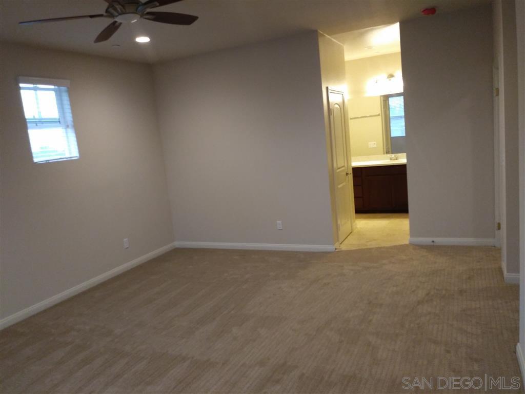 Main Photo: EL CAJON House for rent : 3 bedrooms : 539 Camden Yards Way