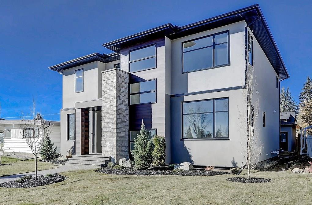 Stunning fully-finished home in the heart of Lakeview, with quality construction & craftsmanship throughout.