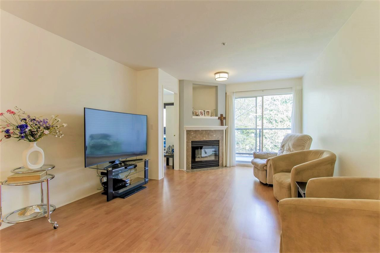 "Main Photo: 304 2285 WELCHER Avenue in Port Coquitlam: Central Pt Coquitlam Condo for sale in ""BISHOP ON THE PARK"" : MLS®# R2364230"