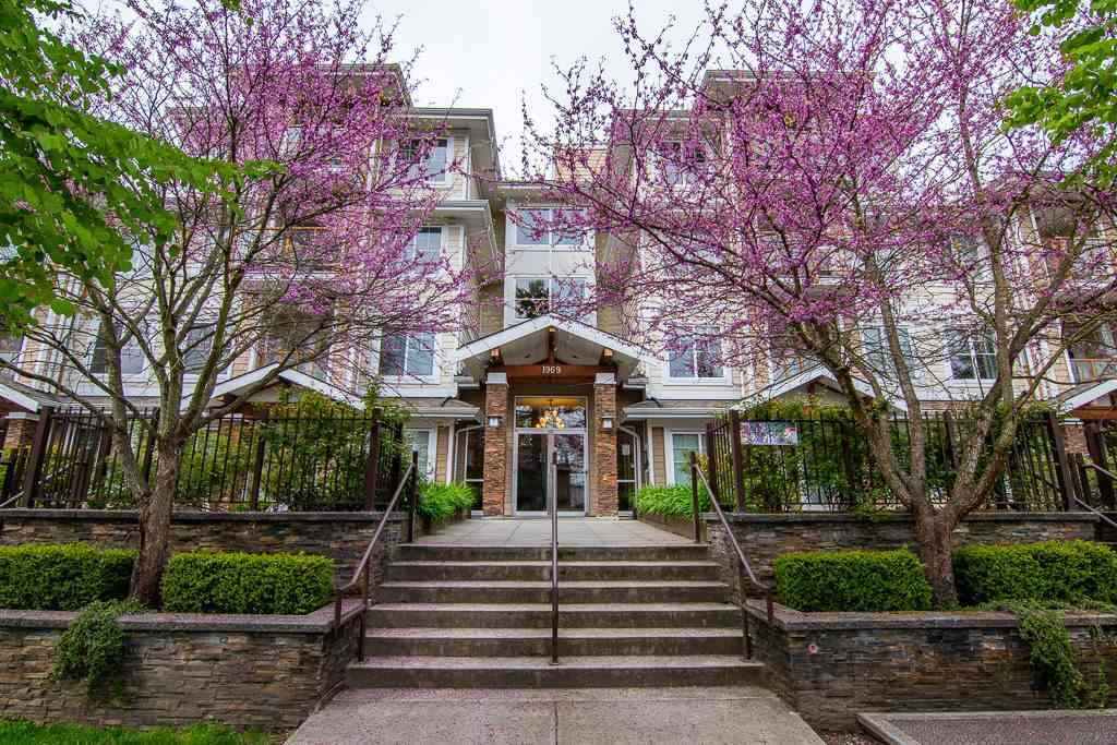 """Main Photo: 404 1969 WESTMINSTER Avenue in Port Coquitlam: Glenwood PQ Condo for sale in """"SAPPHIRE"""" : MLS®# R2389831"""