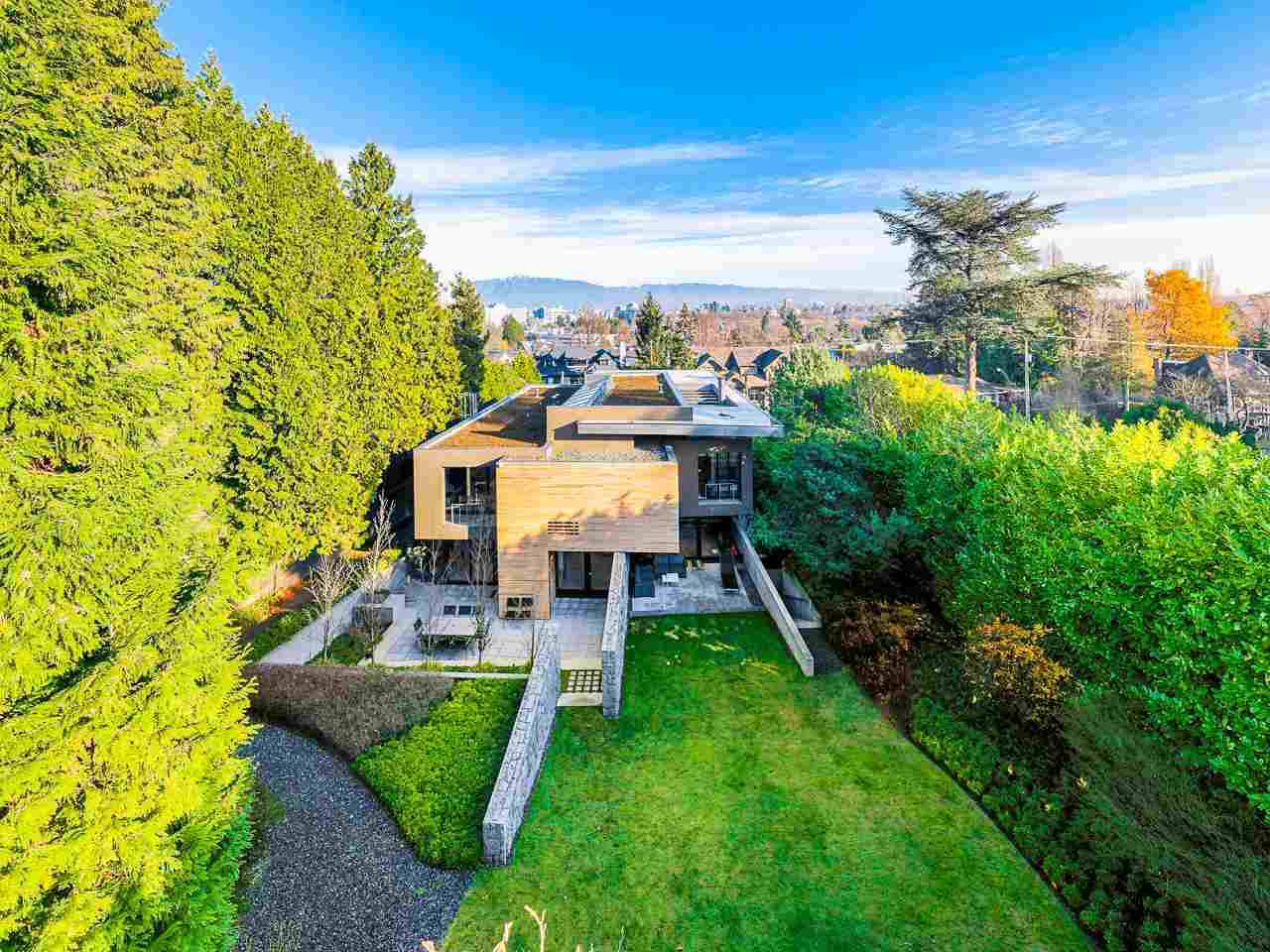 Main Photo: 1098 WOLFE Avenue in Vancouver: Shaughnessy House for sale (Vancouver West)  : MLS®# R2522827