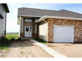 Main Photo: 433B Brookyn Crescent: Warman Duplex for sale (Saskatoon NW)  : MLS®# 402802
