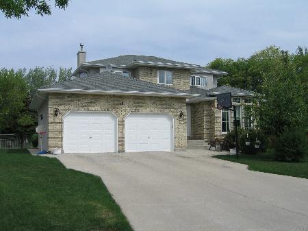 Main Photo: 19 Allan Rouse Cove: Residential for sale (Algonquin Estates)  : MLS®# 2608101