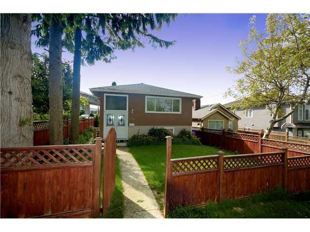 Main Photo: 3585 Hull Street in Vancouver: Grandview VE House for sale (Vancouver East)  : MLS®# V894122