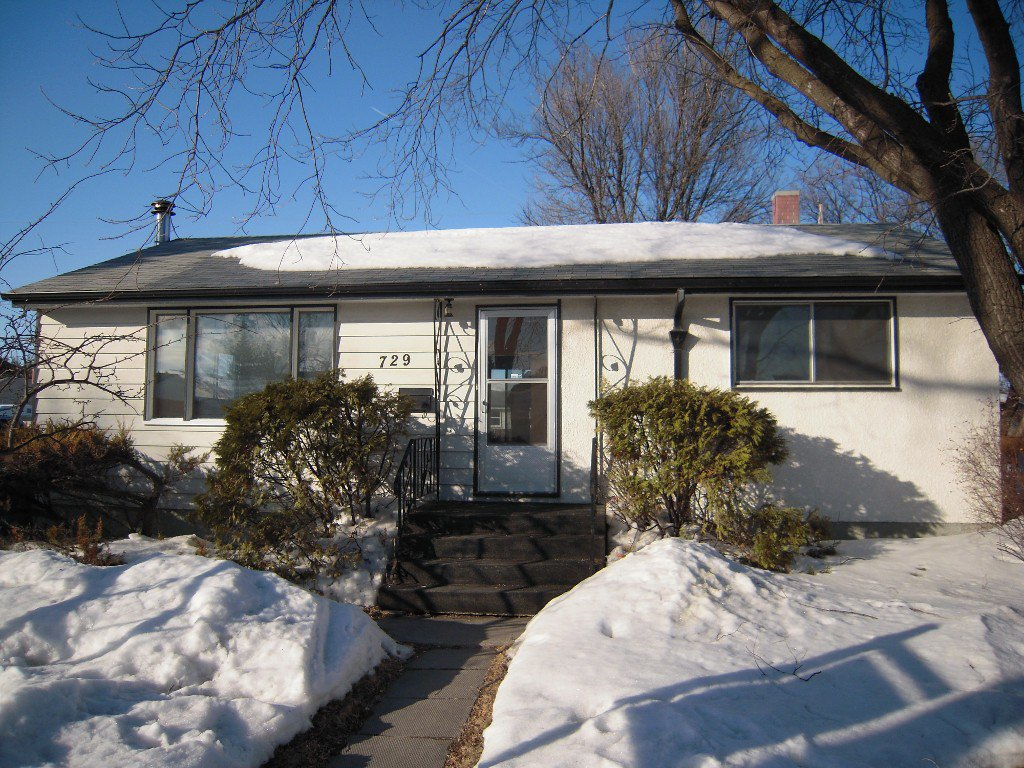Main Photo: 729 Nottingham Avenue in Winnipeg: East Kildonan Residential for sale (North East Winnipeg)  : MLS®# 1305651