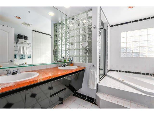 "Photo 10: Photos: 3211 W 6TH Avenue in Vancouver: Kitsilano 1/2 Duplex for sale in ""KITSILANO"" (Vancouver West)  : MLS®# V1091079"
