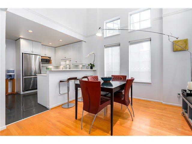 "Photo 3: Photos: 3211 W 6TH Avenue in Vancouver: Kitsilano 1/2 Duplex for sale in ""KITSILANO"" (Vancouver West)  : MLS®# V1091079"