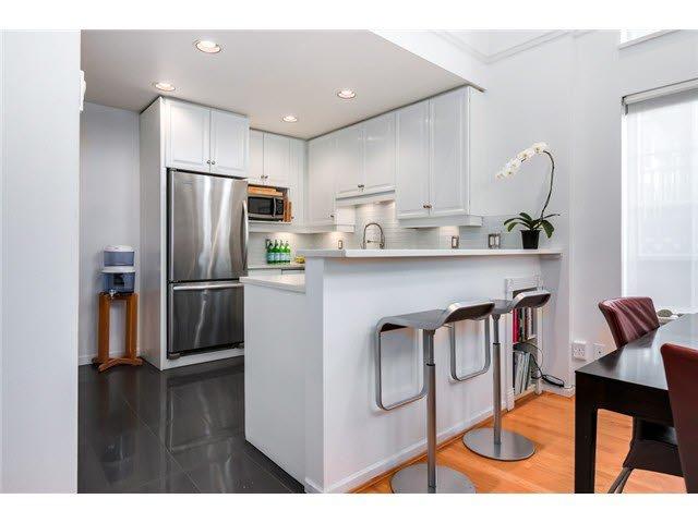 "Photo 4: Photos: 3211 W 6TH Avenue in Vancouver: Kitsilano 1/2 Duplex for sale in ""KITSILANO"" (Vancouver West)  : MLS®# V1091079"